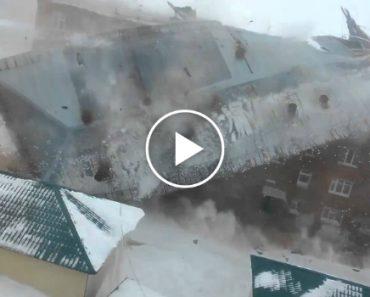 Ventos Fortes Arrancam Telhado De Edifício De Uma Só Vez 8