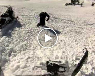 Amigos Salvam Homem Soterrado Na Neve Durante Avalanche 3