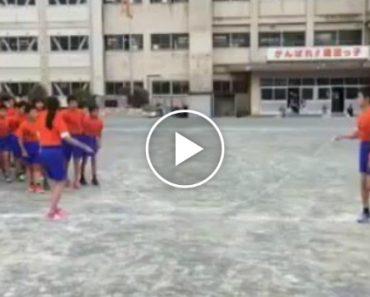 Até a Saltar à Corda Estas Crianças Chinesas Conseguem Surpreender! 4
