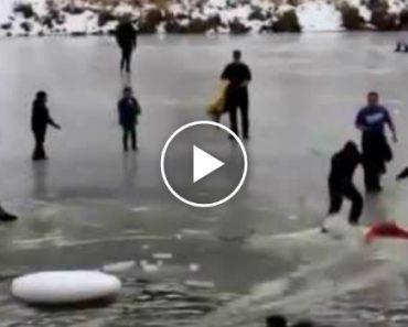 Momento Chocante Em Que Várias Pessoas Caem Em Lago Congelado 5