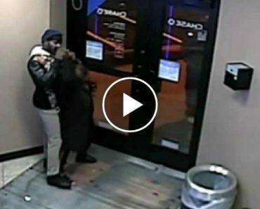 Assaltante Morde Mão Da Vítima Para Lhe Roubar Dinheiro 2
