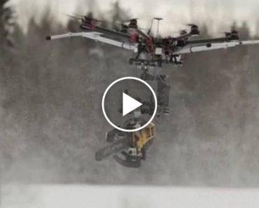 Agricultores Têm a Mais Doida e Espetacular Ideia Ao Combinar Drone Com Motosserra 6