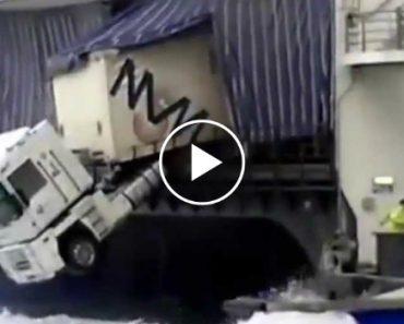 Falta De Segurança Quase Provoca Queda De Camião e Destruição De Ferry 3