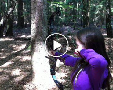 Impressionante O Que Ela Faz Com Um Arco e Flecha! 8