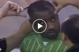 Jogador Futebol Forçado a Cortar o Cabelo Durante Jogo Devido Aos Costumes Da Arábia Saudita 7