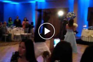 Dança Desastrosa Do Padrinho De Casamento Arruína Festa e Ainda Derruba Dama De Honor 9