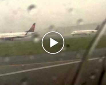 Passageiro Capta Momento Em Que Avião é Atingido Por Raio 1