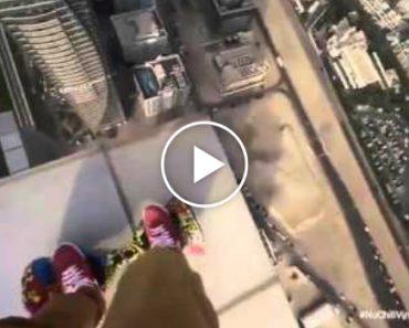 Jovem Mostra a Sua Habilidade Com Hoverboard No Topo Arranha-Céus 7