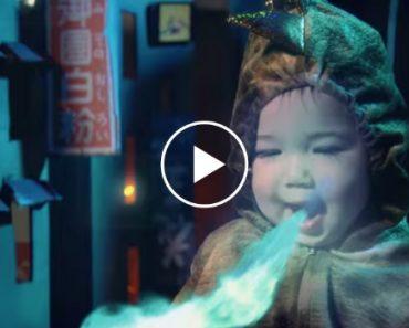 Pai Transforma Filha Em Godzilla e Faz Vídeo Fantástico 1
