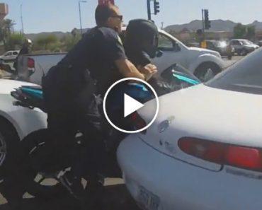 A Fuga Que Este Motociclista Faz à Polícia é Digna De Um Filme De Ação! 9