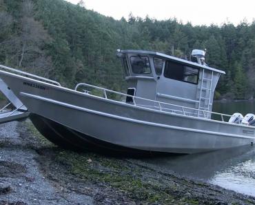 Barco Inovador Consegue Sair Da Água Sozinho Com Este Incrível Sistema 8