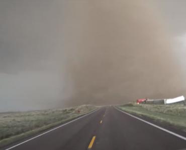 Imagens Assustadoras Mostram Tornado De Perto 1