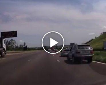 Condutor De BMW Tenta Vingar-se e Sofre As Consequências 1