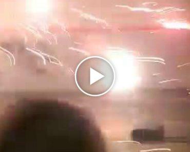 Jovens Têm a Infeliz Ideia De Lançar Fogo De Artifício Dentro De Um Armazém 2