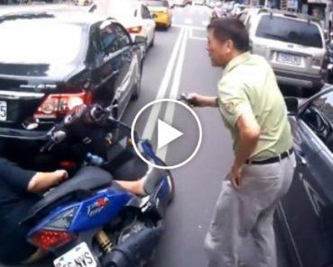 Bastou Abrir a Porta Do Carro Para Que Este Condutor Causasse Estragos Incalculáveis 14