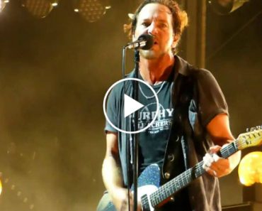 Eddie Vedder Pára Concerto Para Impedir Homem De Bater Em Mulher 5