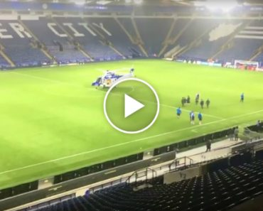 Dono Do Clube De Futebol Leicester Deixa Estádio De Helicóptero 6