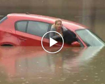 Mulher Consegue Sair Pela Janela Momentos Antes De Carro Ficar Totalmente Submerso Pelas Águas 5