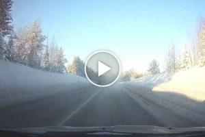 Condutor Descobre Tarde Demais a Razão Da Pequena Nuvem De Fumo Na Estrada 9
