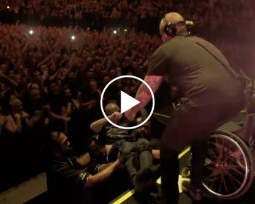 Vocalista Da Banda Disturbed Convida Fã Em Cadeira De Rodas Para Assistir Concerto No Palco 9
