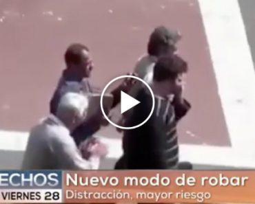 Reportagem TV Mexicana Mostra o Trabalho De Equipa Dos Ladrões Para Roubar Telefones Nas Ruas 4