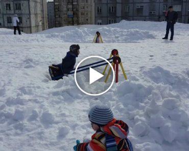 Na Rússia é Assim Que Brincam As Crianças Em Pleno Mês De Abril 8