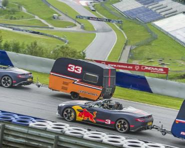 Red Bull Coloca Os Seus Pilotos a Competir Em Aston Martin De Forma Inédita 3