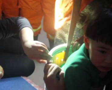 Criança De 2 Anos Resgatada De Um Tambor Da Máquina De Lavar Roupa 5