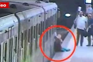 Mulher Fica Presa Nas Portas Do Metro Em Roma, e Foi Arrastada Vários Metros 10
