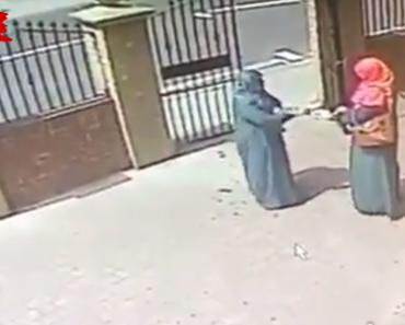 Atiram Água a Muçulmanas Simulando Ataque Com Ácido 6