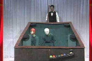 Homens Disfarçam-se e Comportam-se Como Bolas De Snooker Em Invulgar Programa Televisivo 10