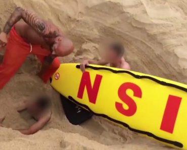 Brincadeira Com Buraco Na Praia Da Nazaré Quase Acaba Mal Para Jovem 2