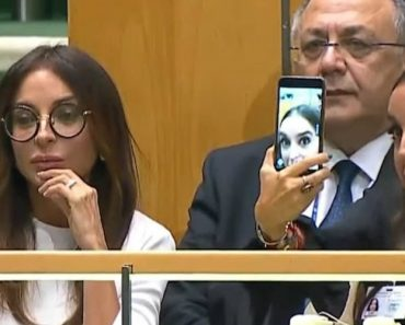 Filha Do Presidente Do Azerbaijão Tira Selfies Enquanto o Pai Faz Discurso Sobre Genocídio 6