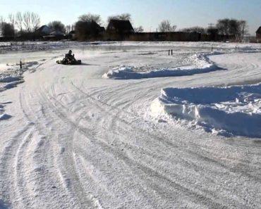 Amigos Levam Karts Para a Neve e Criam Momentos Alucinantes 5