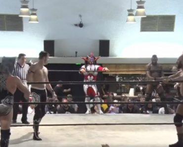 Este é Provavelmente o Vídeo De Wrestling Mais Bizarro De Sempre 7