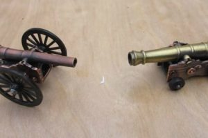 Habilidoso Homem Transforma Afia-lápis Em Mini Canhão Funcional 8