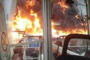 Navio Incendeia-se Durante o Transporte De 167 Mil Barris De Combustível 10