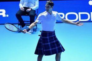 Roger Federer Sobe Ao Court De Saia Em Partida De Exibição 10