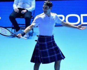 Roger Federer Sobe Ao Court De Saia Em Partida De Exibição 1