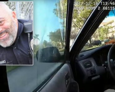 Intenso Momento Em Que Polícia é Arrastado Por Carro Em Andamento Quando Condutor Tentava Fugir 3