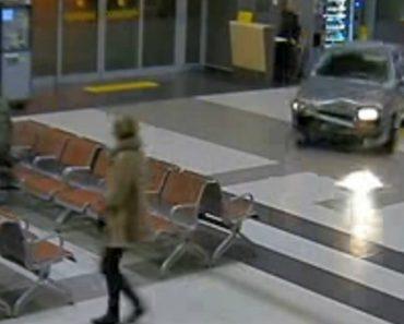 Homem Alcoolizado Invade e Destrói Terminal De Aeroporto 6