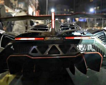 Presença De Um Lamborghini Veneno Espalha Confusão No Centro De Londres 9
