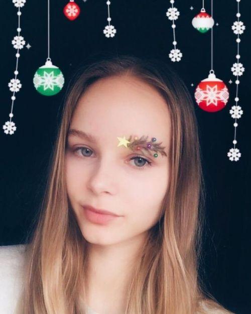 Sobrancelhas Natalícias São a Nova Tendência De Beleza Nas Redes Sociais 5