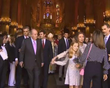 Rainha Letizia e Sofia Desentendem-se Em Público 10