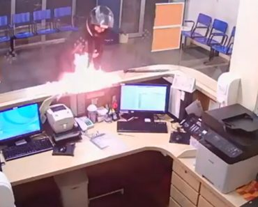 Homem Incendeia Receção De Hospital Pela Demora No Atendimento 3