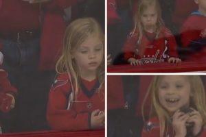 Jogador Da NHL Não Desiste De Pequena Fã e Faz De Tudo Para a Deixar a Sorrir 10