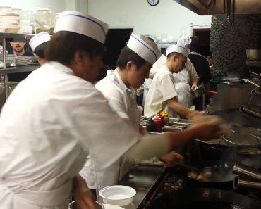 Vídeo De Interior De Cozinha De Restaurante Chinês Mostra a Incrível Coordenação Desta Equipa, Mas Não Só 7