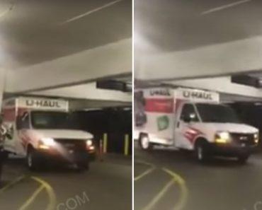 Condutora Teimosa Destrói Parte De Cima De Carrinha Ao Insistir Entrar Em Parqueamento 3