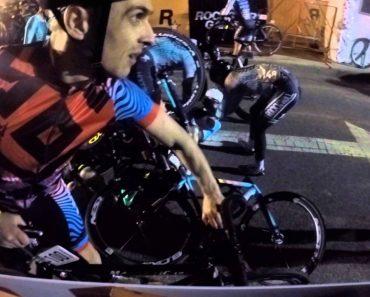 Motociclista Pára No Meio De Prova De Ciclismo e Provoca Acidente Massivo 4