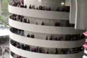 Ilusão Ótica Faz Parecer Que Colunas Do Estádio Estão a Girar 10